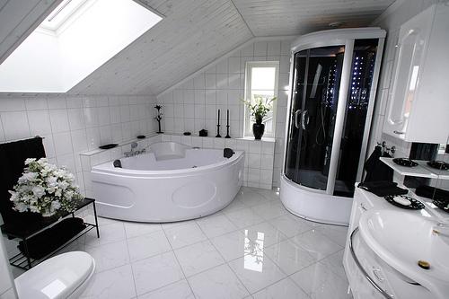 beyaz-luks-banyo