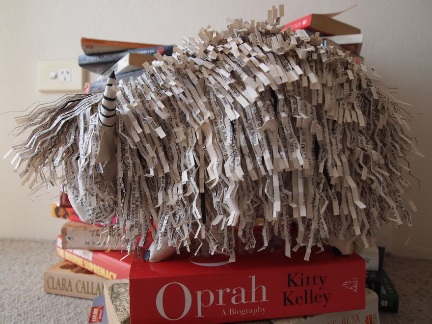 I-cut-old-books-into-hundreds-of-strips-scales-and-curls-and-turn-them-into-animal-sculptures-570c9cdc9120e__880