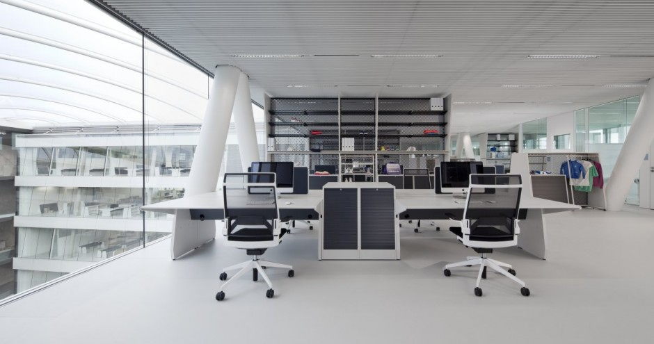 Simple-Adidas-Office-Interior-Design-by-KINZO-Architecture-Interior