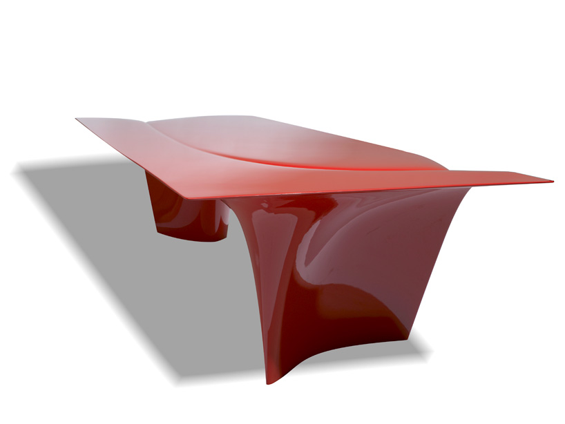 zaha-hadid-sawaya-moroni-mew-table-designboom-04