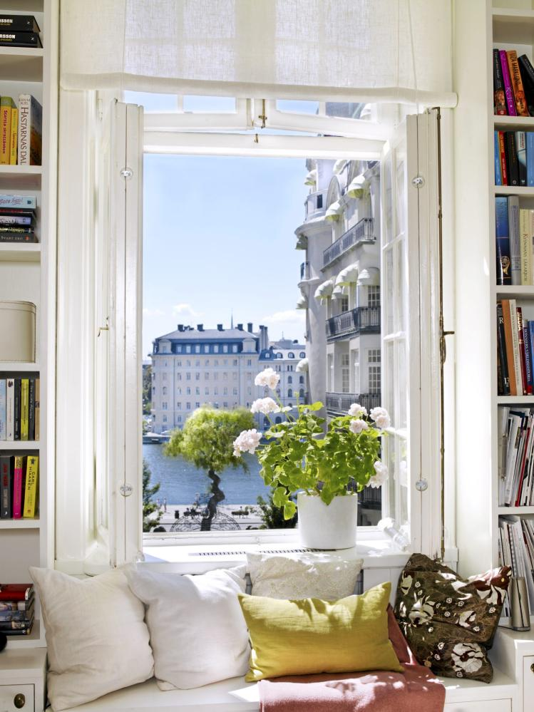 Top-27-Cozy-Reading-Nooks-That-Will-Inspire-You-To-Design-One-Yourself-In-Your-Home-homesthetics-16